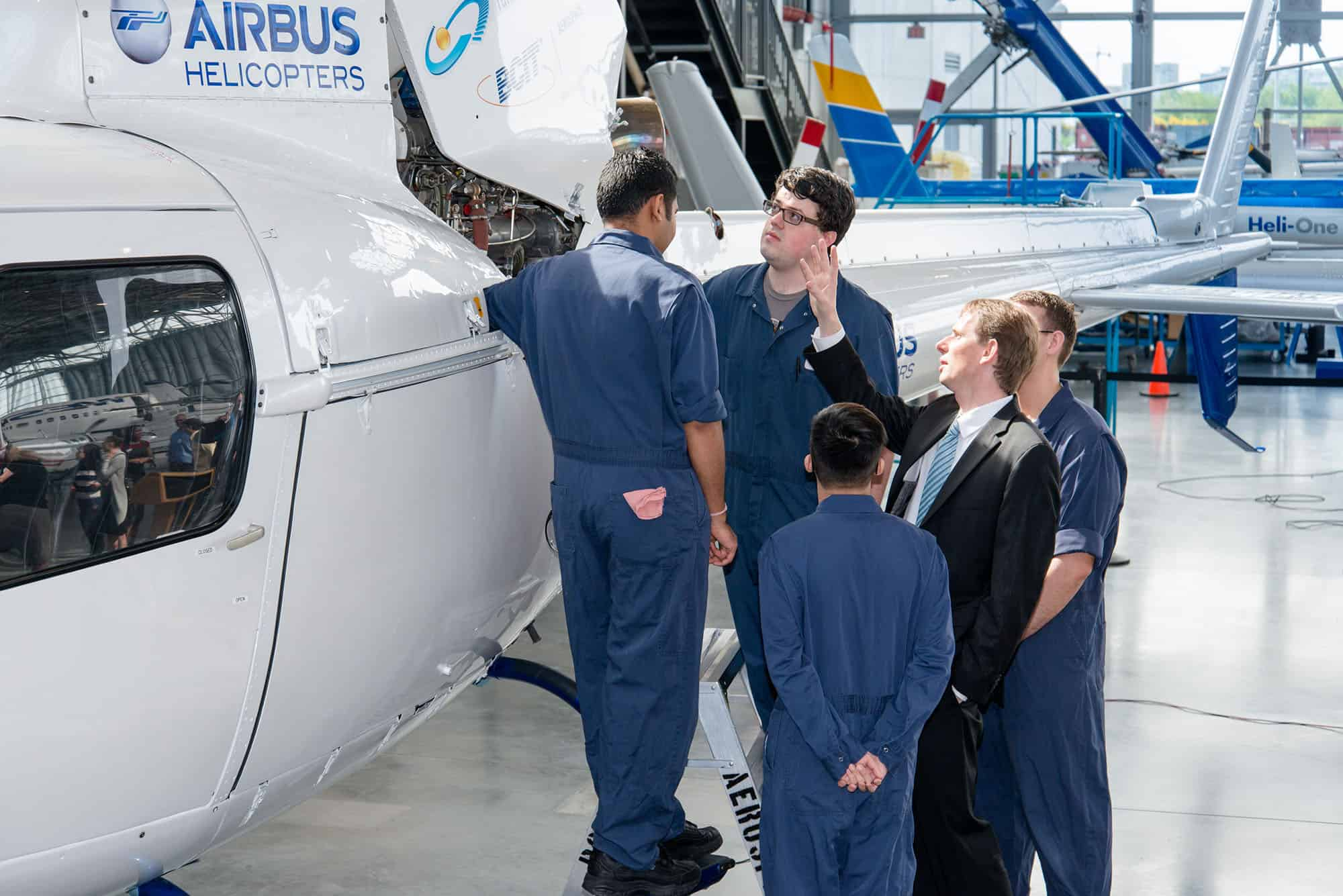 President & CEO Romain Trapp connects with Aircraft Maintenance Engineers at the BCIT Aerospace Campus (Photo Credit: Scott McAlpine) (CNW Group/Airbus Helicopters Canada)