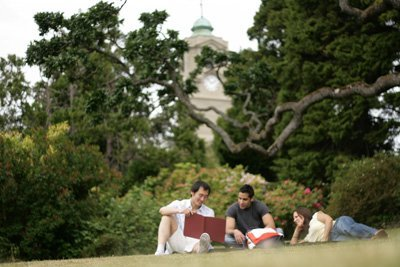 students-on-lawn