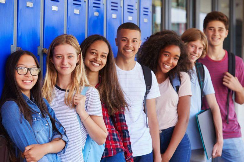 shutterstock_736962454-teens-highschool-2